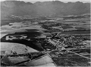Ref No: WCA026 Titel: Tulbagh - Late 1930's width=230