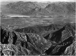 Ref No: WCA031 Titel: Worcester, Hex River Valley - Late 1930's width=230